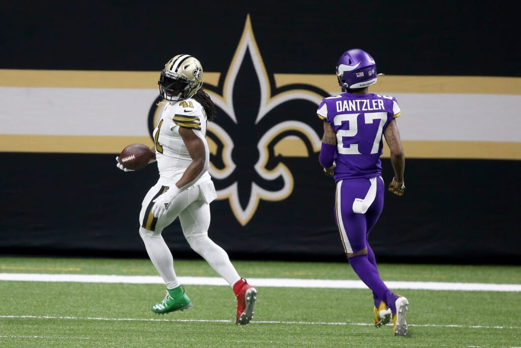 Alvin Kamara goes nuts with 5 TDs on Christmas Day