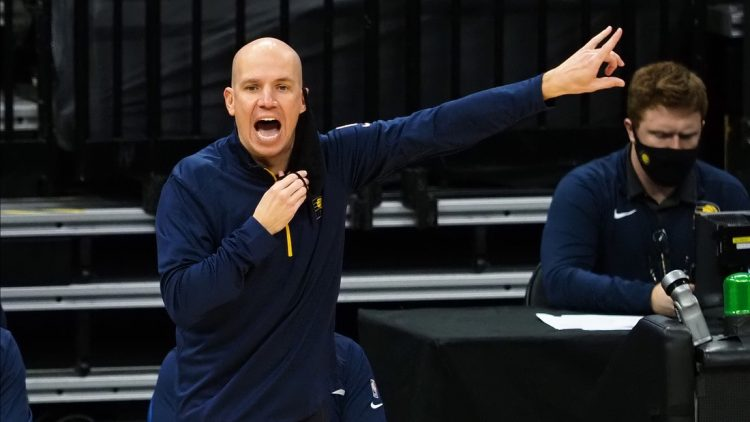 Jan 11, 2021; Sacramento, California, USA; Indiana Pacers head coach Nate Bjorkgren (L) calls out from the sideline during the third quarter against the Sacramento Kings at Golden 1 Center. Mandatory Credit: Kelley L Cox-USA TODAY Sports
