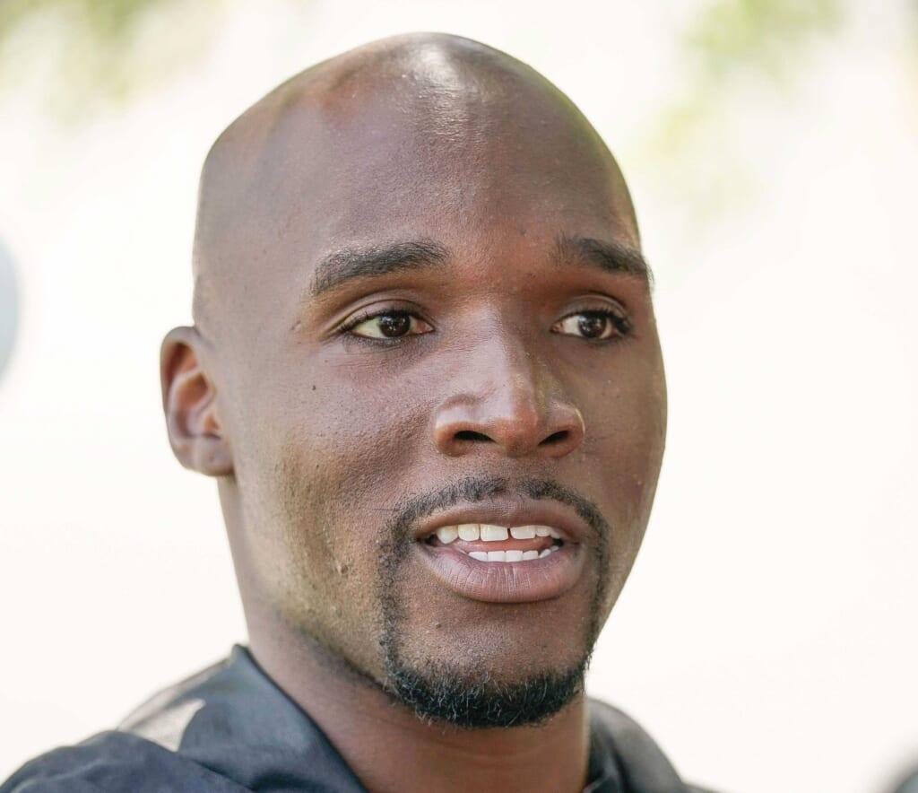 49ers rumors: Team promotes DeMeco Ryans to defensive coordinator.