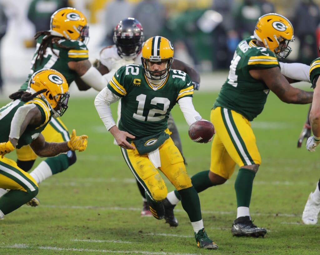 Packers legend Brett Favre downplays Aaron Rodgers rumors