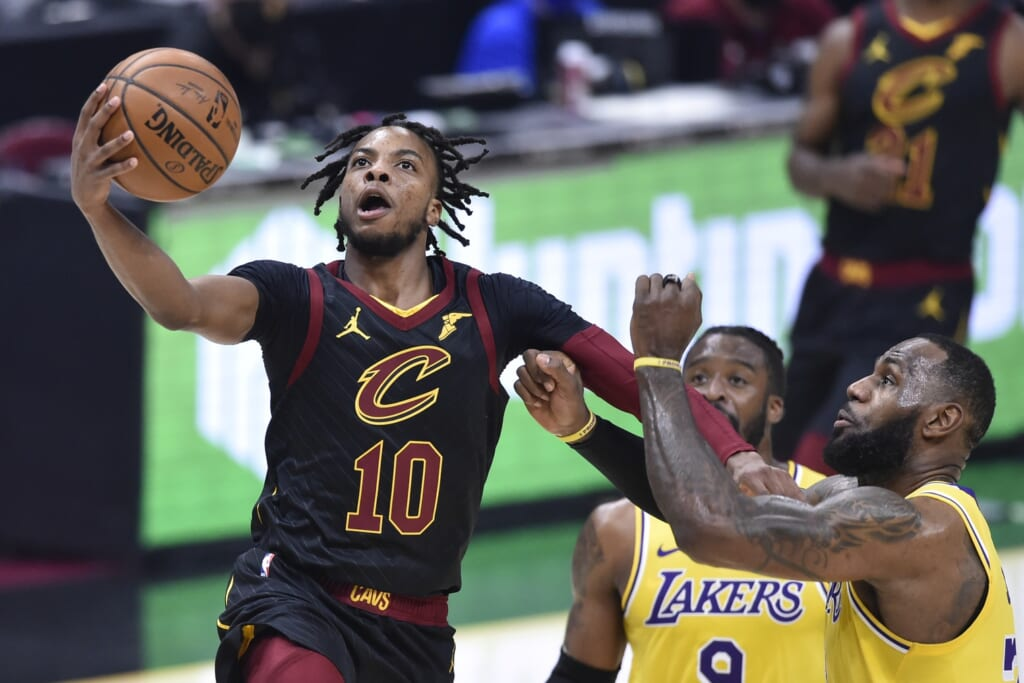 Lonzo Ball trade to the Cavaliers for Darius Garland?