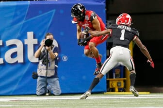 Twitter slams College Football Playoff committee as Cincinnati Bearcats lose 2021 Peach Bowl