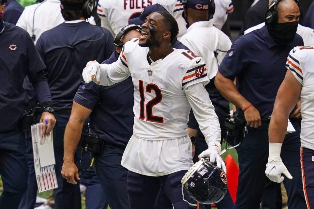 Should Allen Robinson give Chicago Bears one more year?