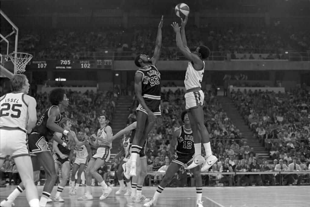 Single-game NBA scoring records: Denver Nuggets