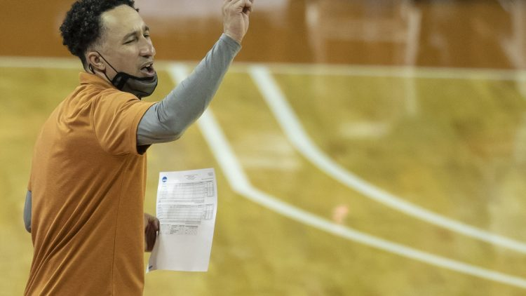 Feb 2, 2021; Austin, TX, USA; Texas Longhorns head coach Shaka Smart calls out a play to his team against Baylor Bears in the second half of an NCAA college basketball game at the Frank Erwin Center onTuesday, Feb. 2, 2021, in Austin,TX. The Baylor Bears beat the Texas Longhorns 83-69.  Mandatory Credit: Ricardo B. Brazziell-USA TODAY Sports