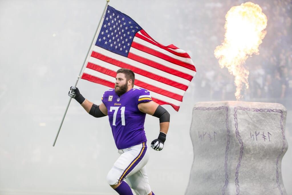 Minnesota Vikings release Riley Reiff