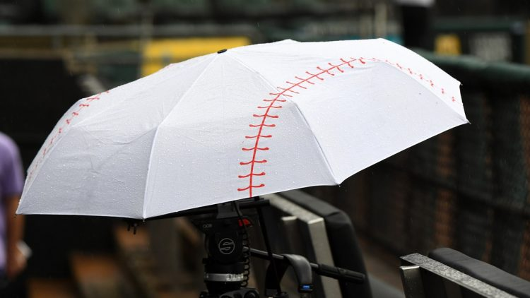 Aug 12, 2019; Chicago, IL, USA; Heavy rain forces the cancellation of the game between the Chicago White Sox and and the Houston Astros at Guaranteed Rate Field. Mandatory Credit: Mike DiNovo-USA TODAY Sports