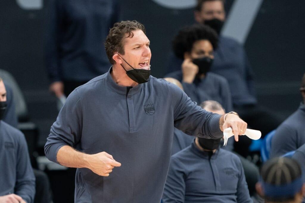 Sacramento Kings to retain Luke Walton