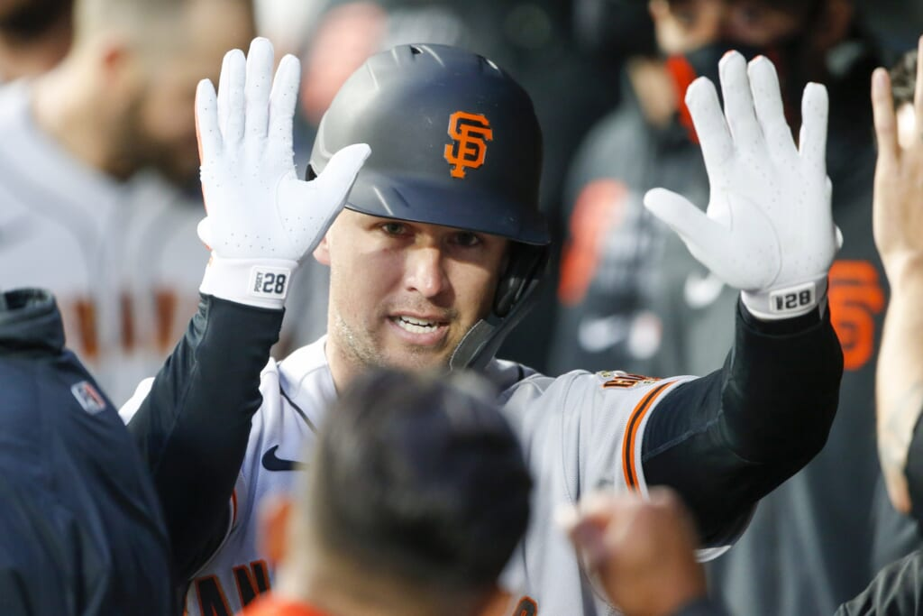 San Francisco Giants have fundamentally sound veterans swinging the stick well