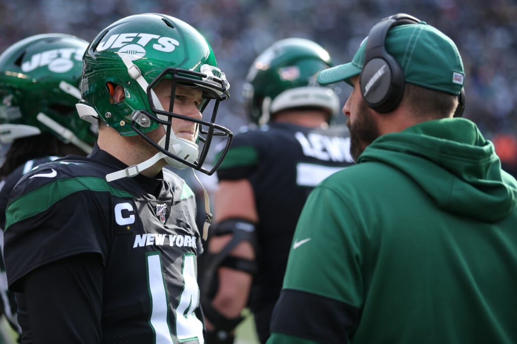 Dysfunction is the last thing Sam Darnold needs
