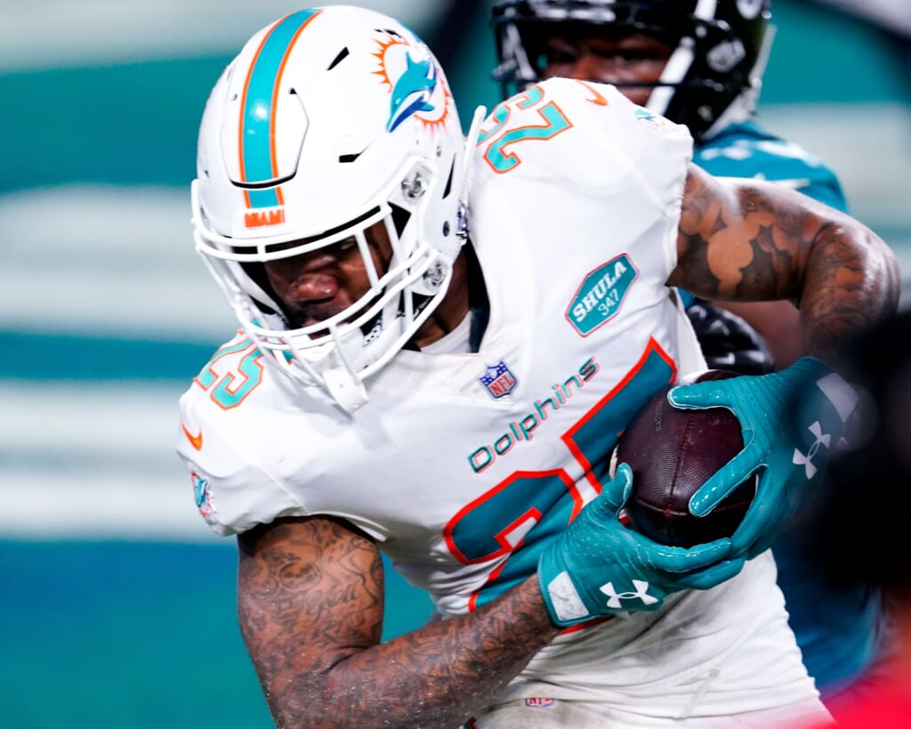 Miami Dolphins sell high on Xavien Howard in huge trade