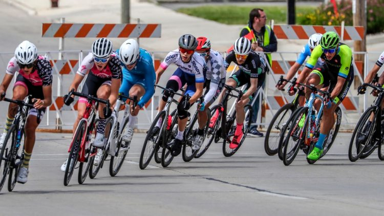 Bikers corner during the Category 2/3 race at the Tour of America's Dairyland, Monday, June 21, 2021, in Manitowoc, Wis.  Man 062121 Tour Of Americas Dairyland Gck 016