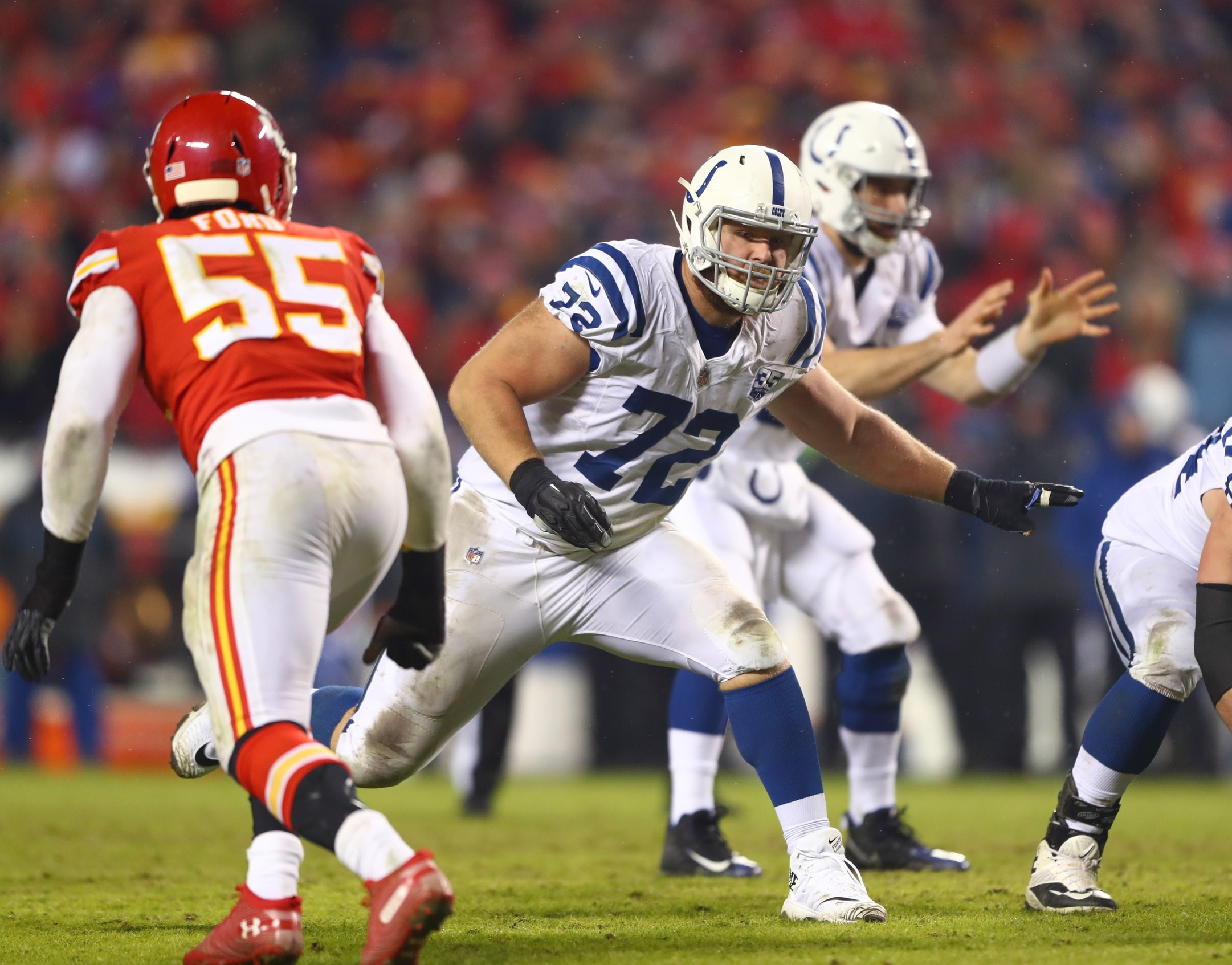 Indianapolis Colts sign right tackle Braden Smith to huge extension