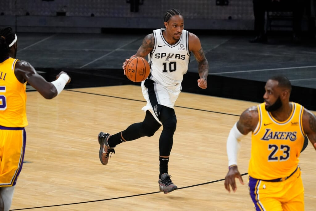 DeMar DeRozan gets homecoming with Los Angeles Lakers