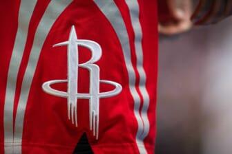 Houston Rockets trade two 1st-round picks to Oklahoma City Thunder for Alperen Sengun