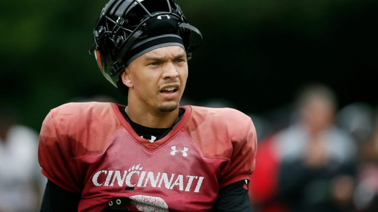 Cincinnati Bearcats quarterback Desmond Ridder (9) resets between plays during practice at the Higher Ground training facility in West Harrison, Ind., on Monday, Aug. 9, 2021.  Cincinnati Bearcats Football Camp