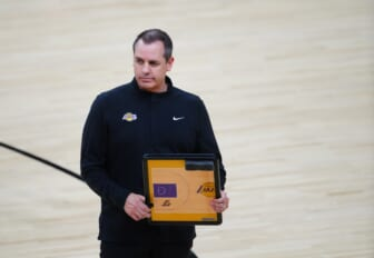 Los Angeles Lakers sign coach Frank Vogel to contract extension