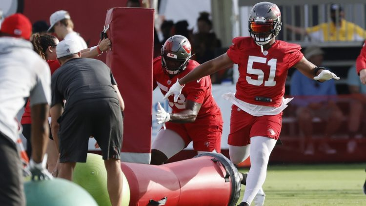 Jul 28, 2021; Tampa, FL, USA; Tampa Bay Buccaneers linebacker Kevin Minter (51) and Buccaneers linebacker Joe Jones (53) work out at AdventHealth Training Center. Mandatory Credit: Kim Klement-USA TODAY Sports