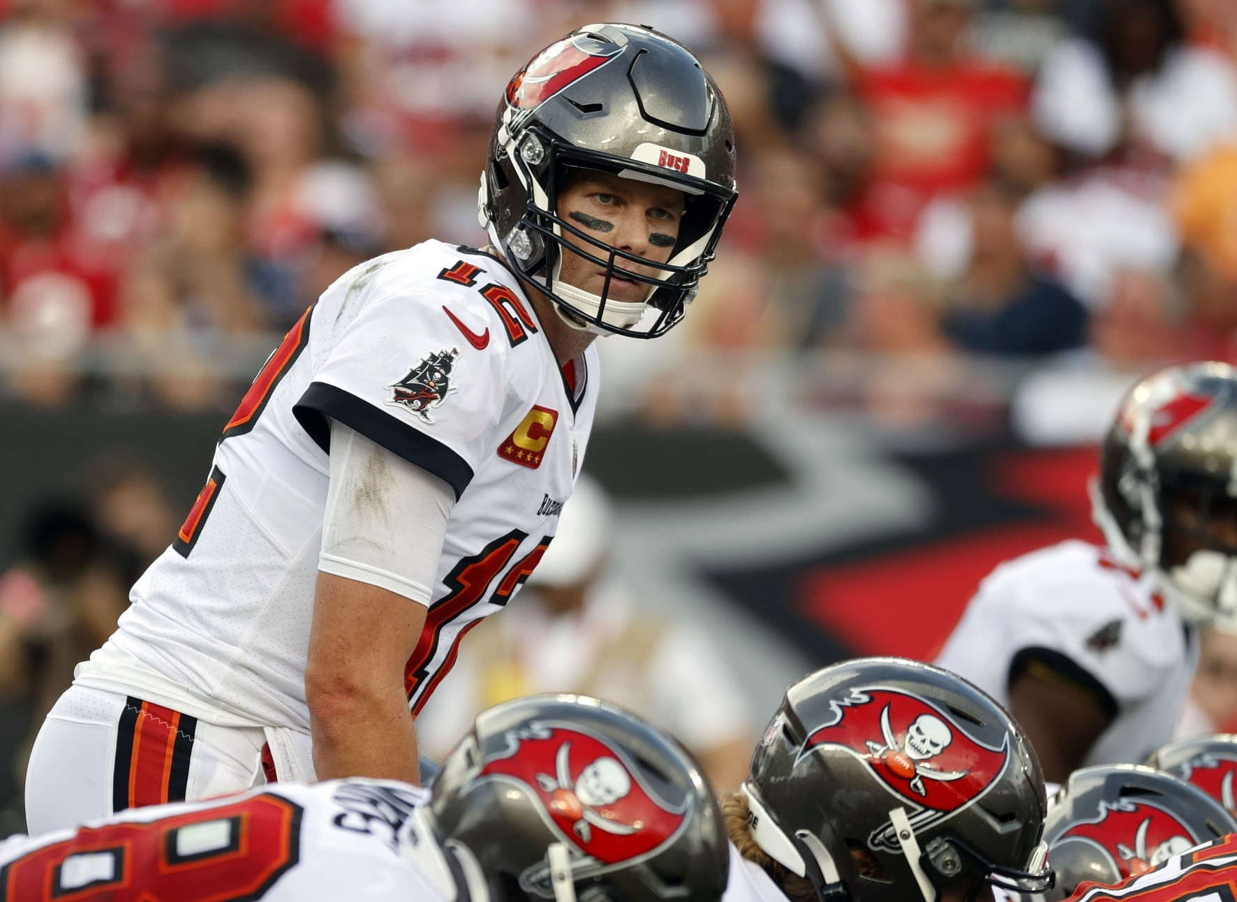 NFL games today: Full TV schedule, daily fantasy picks, best bets