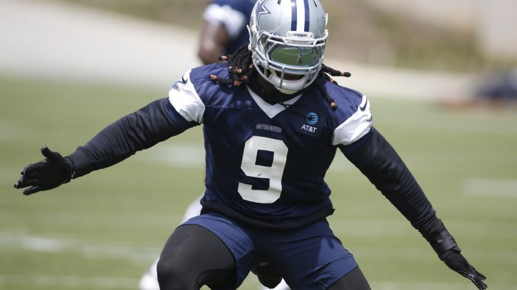 Jun 3, 2021; Frisco, TX, USA; Dallas Cowboys middle linebacker Jaylon Smith (9) goes through drills during voluntary Organized Team Activities at the Star Training Facility in Frisco, Texas. Mandatory Credit: Tim Heitman-USA TODAY Sports