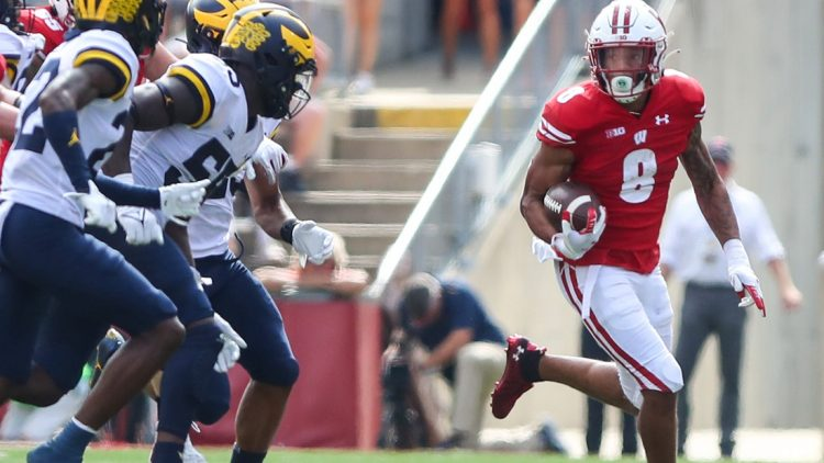 University of Wisconsin Badgers football's Jalen Berger (8) runs the ball against Michigan during their game Saturday, October 2, 2021 in Madison, Wis. Michigan won the game 38-17. Doug Raflik/USA TODAY NETWORK-Wisconsin  Fon Badgers Vs Michigan Football 100221 Dcr352