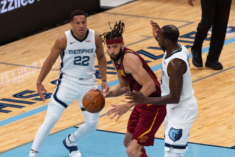 Warriors trade for JaVale McGee