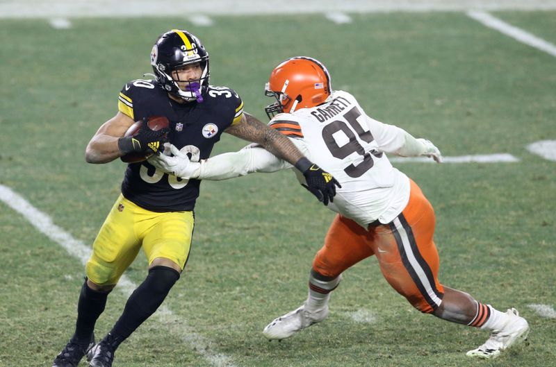 NFL free agents: James Conner