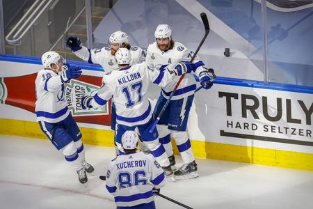 Lightning beat Stars to win Stanley Cup